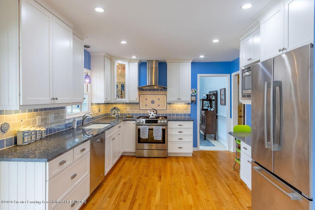 828 Tanglewood Ln - Kitchen - 10