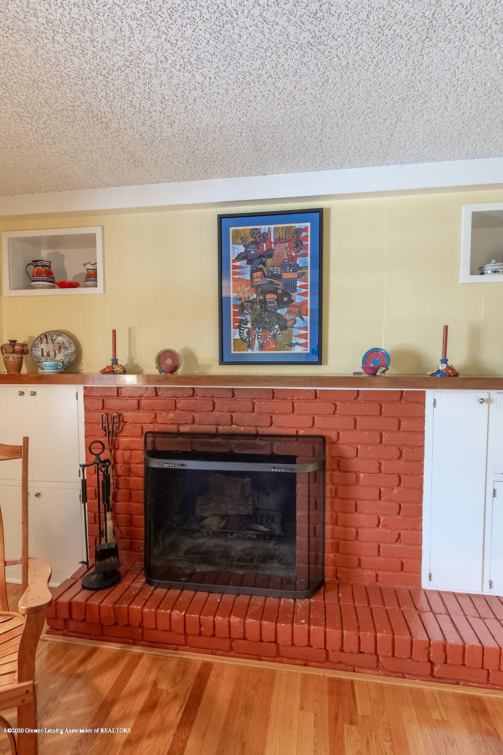 828 Tanglewood Ln - Family Room - 16