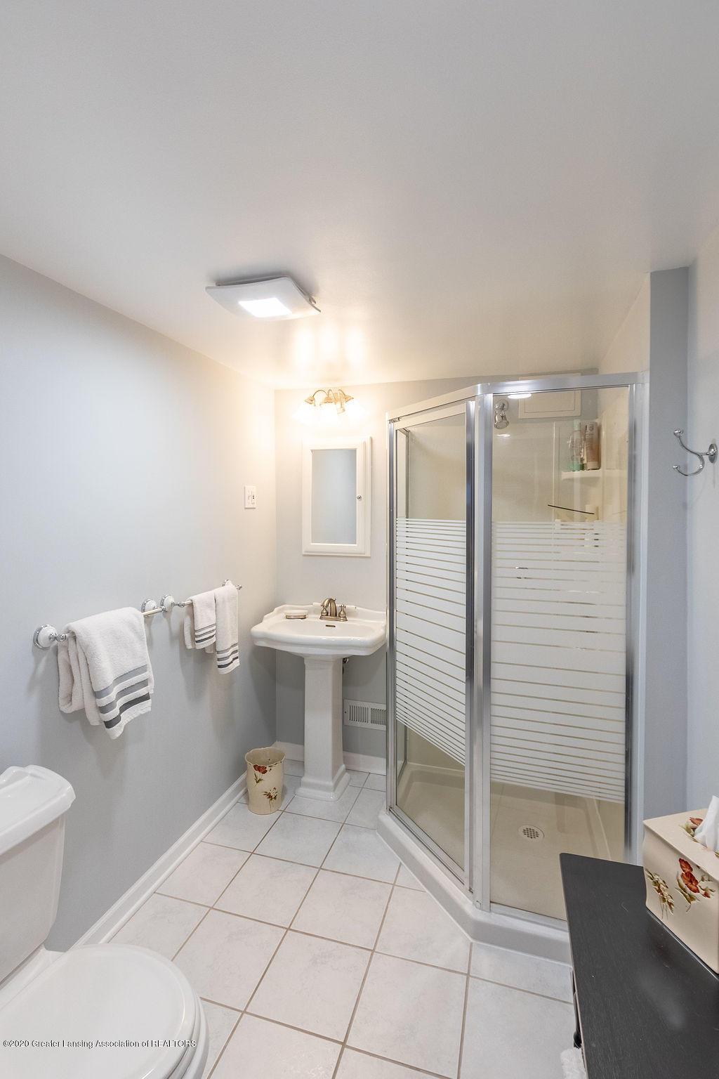 828 Tanglewood Ln - Full Bath Basement - 41