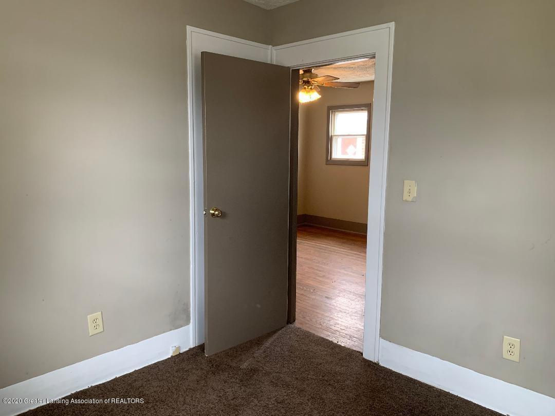 333 E Hodge Ave - bedroom 1 - 9
