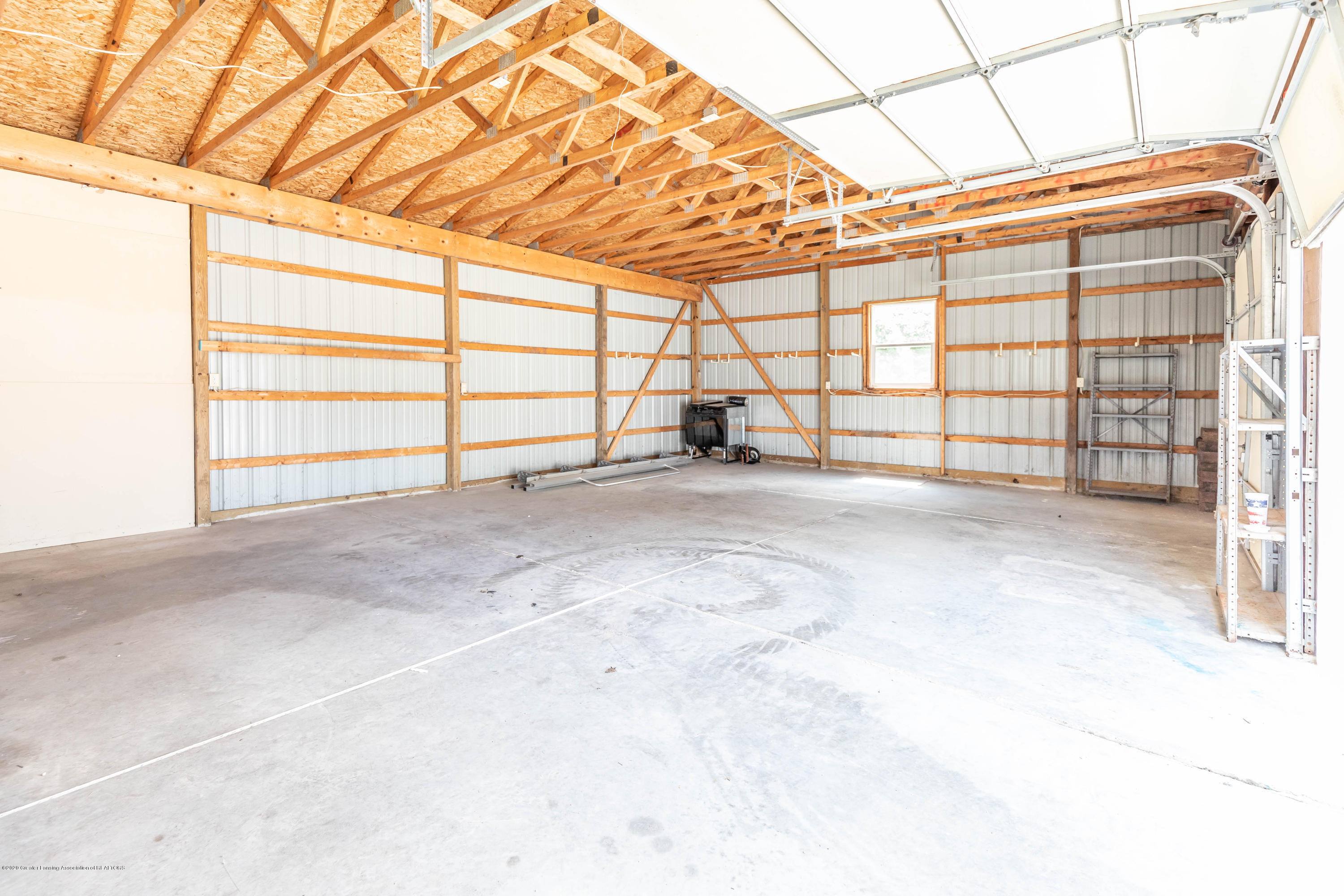 2035 Mitchell Rd - Pole Barn - 30