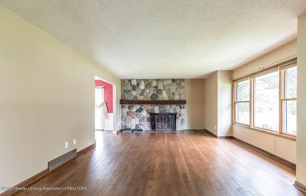 4215 Whitby Ln - Living Room - 4