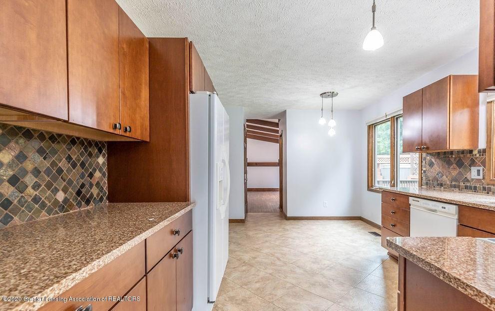 4215 Whitby Ln - Kitchen - 7