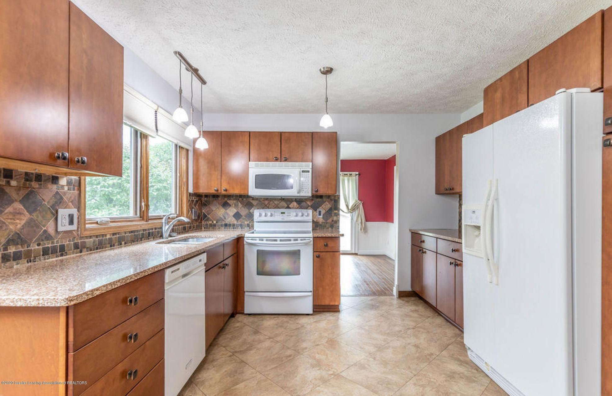 4215 Whitby Ln - Kitchen - 10