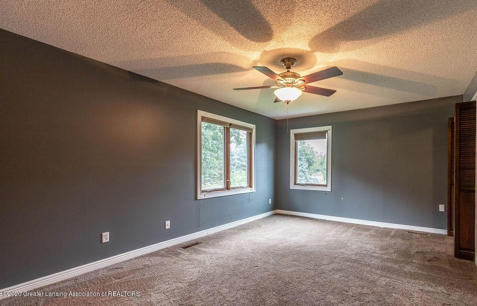 4215 Whitby Ln - Master Bedroom - 14