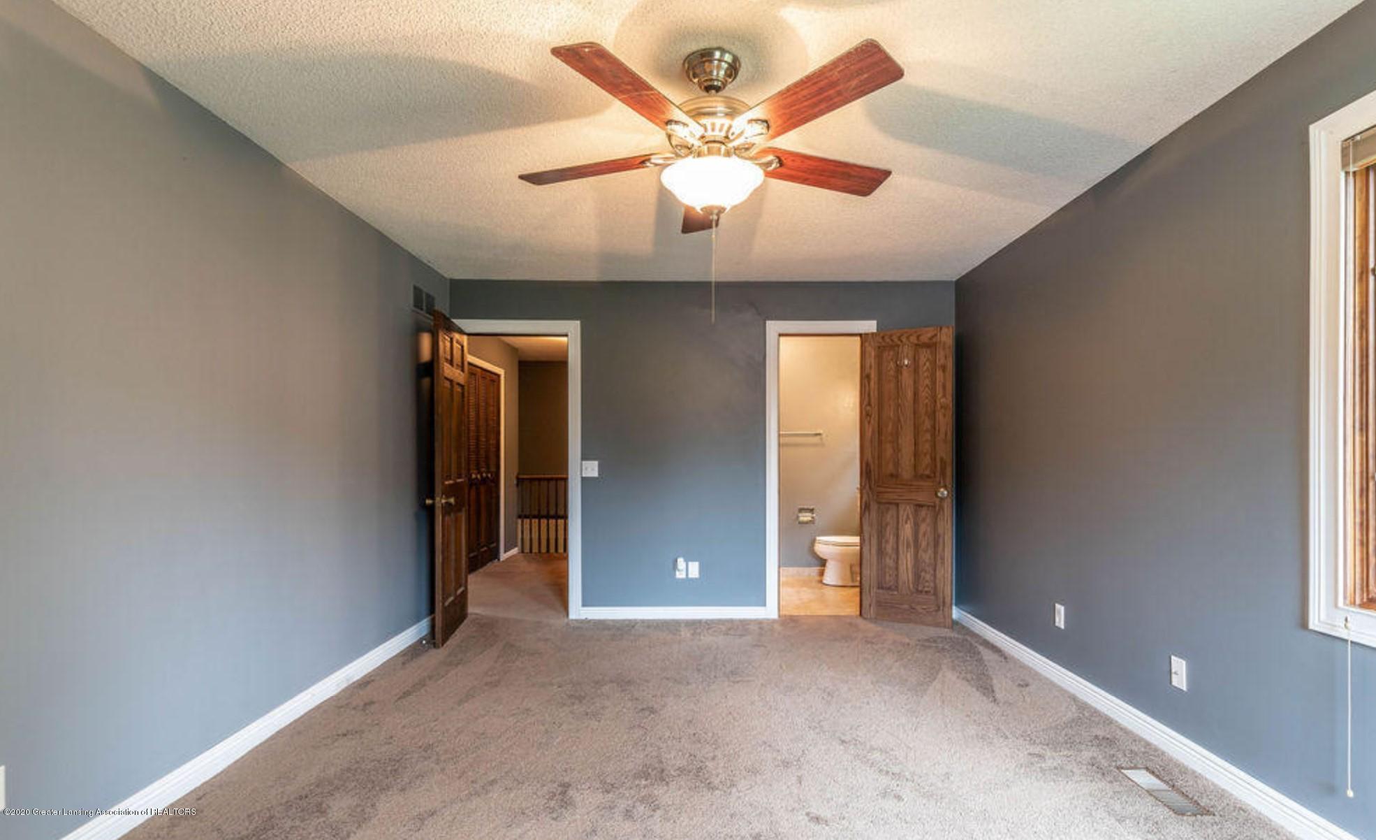 4215 Whitby Ln - Master Bedroom - 15