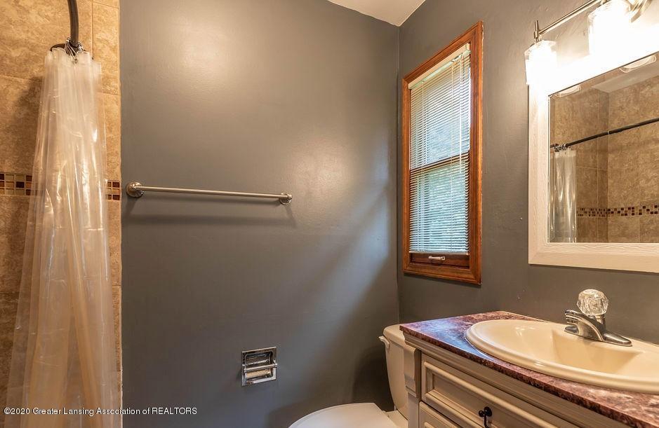 4215 Whitby Ln - Master Bathroom - 16