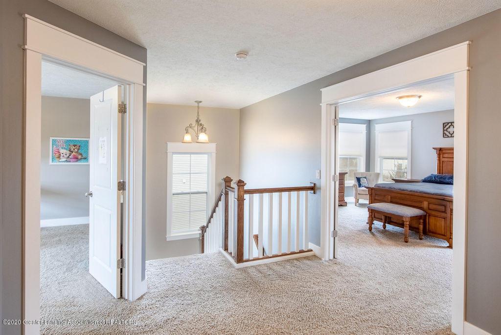 4145 Benca Cir - Second Floor Hallway - 21