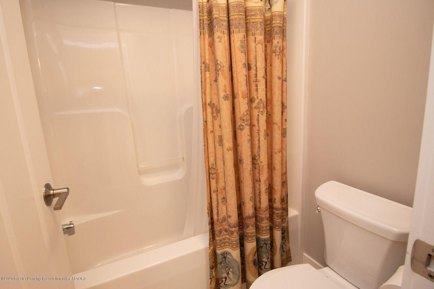 260 Church Hill Downs Blvd - bathroom4 - 29