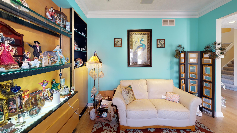 6105 W Longview Dr - 6105-West-Longview-Living-Room(6) - 10