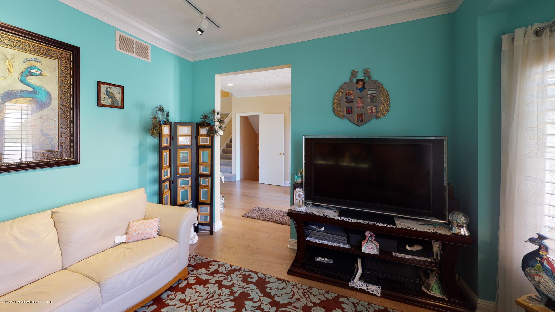 6105 W Longview Dr - 6105-West-Longview-Living-Room(7) - 9