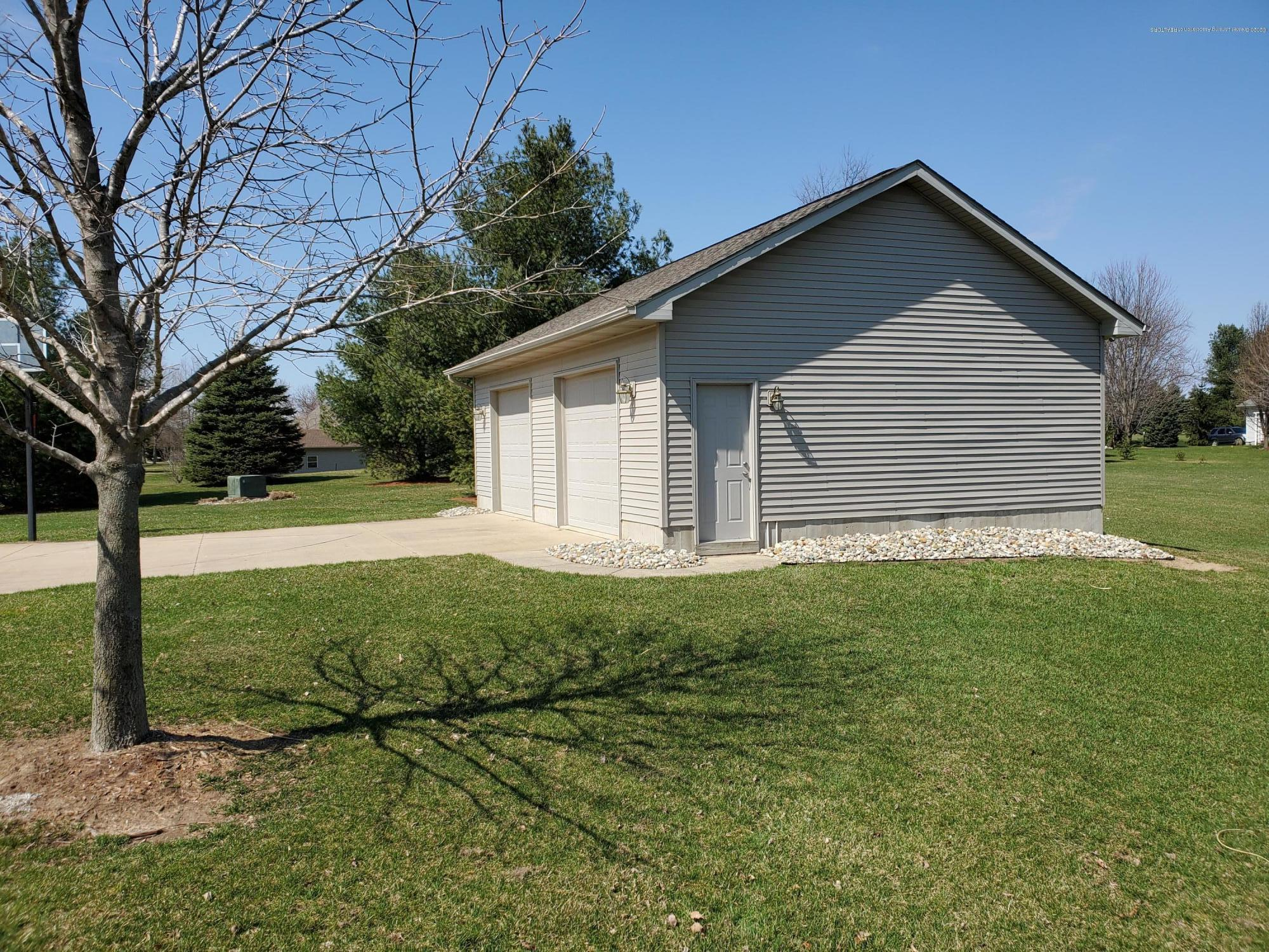 558 N Wheaton Rd - Pole Barn - 5
