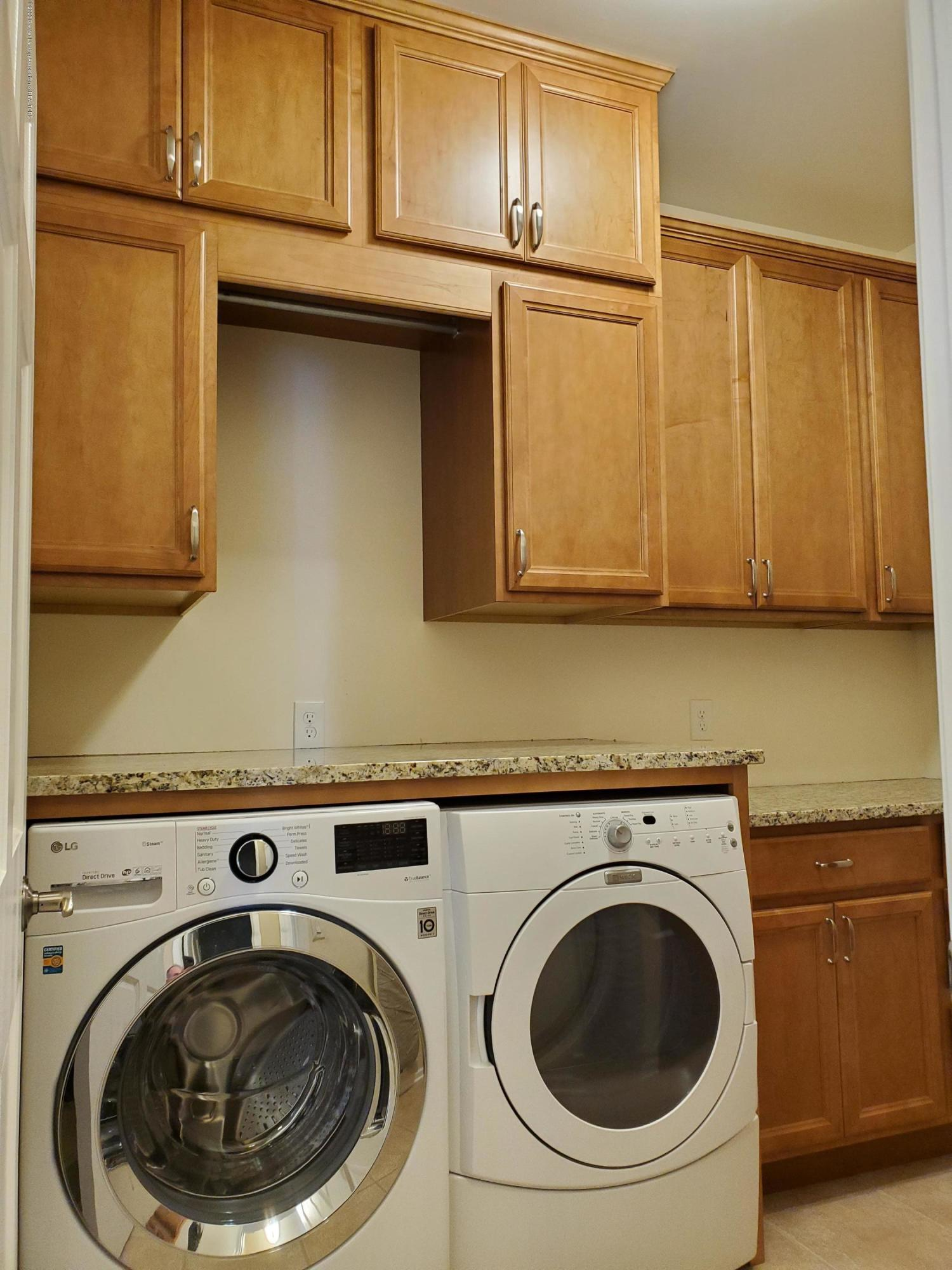 558 N Wheaton Rd - Laundry Room - 22