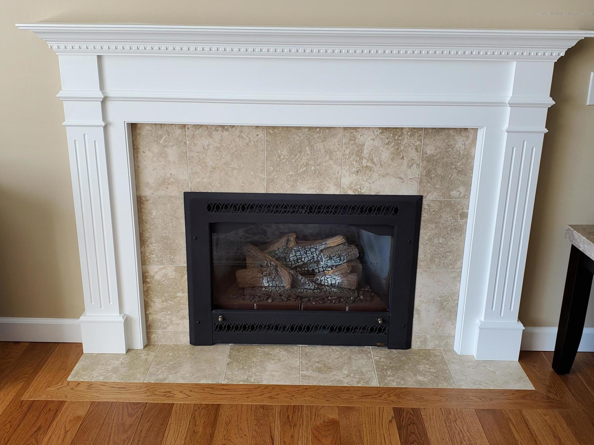 558 N Wheaton Rd - Gas Fireplace - 11