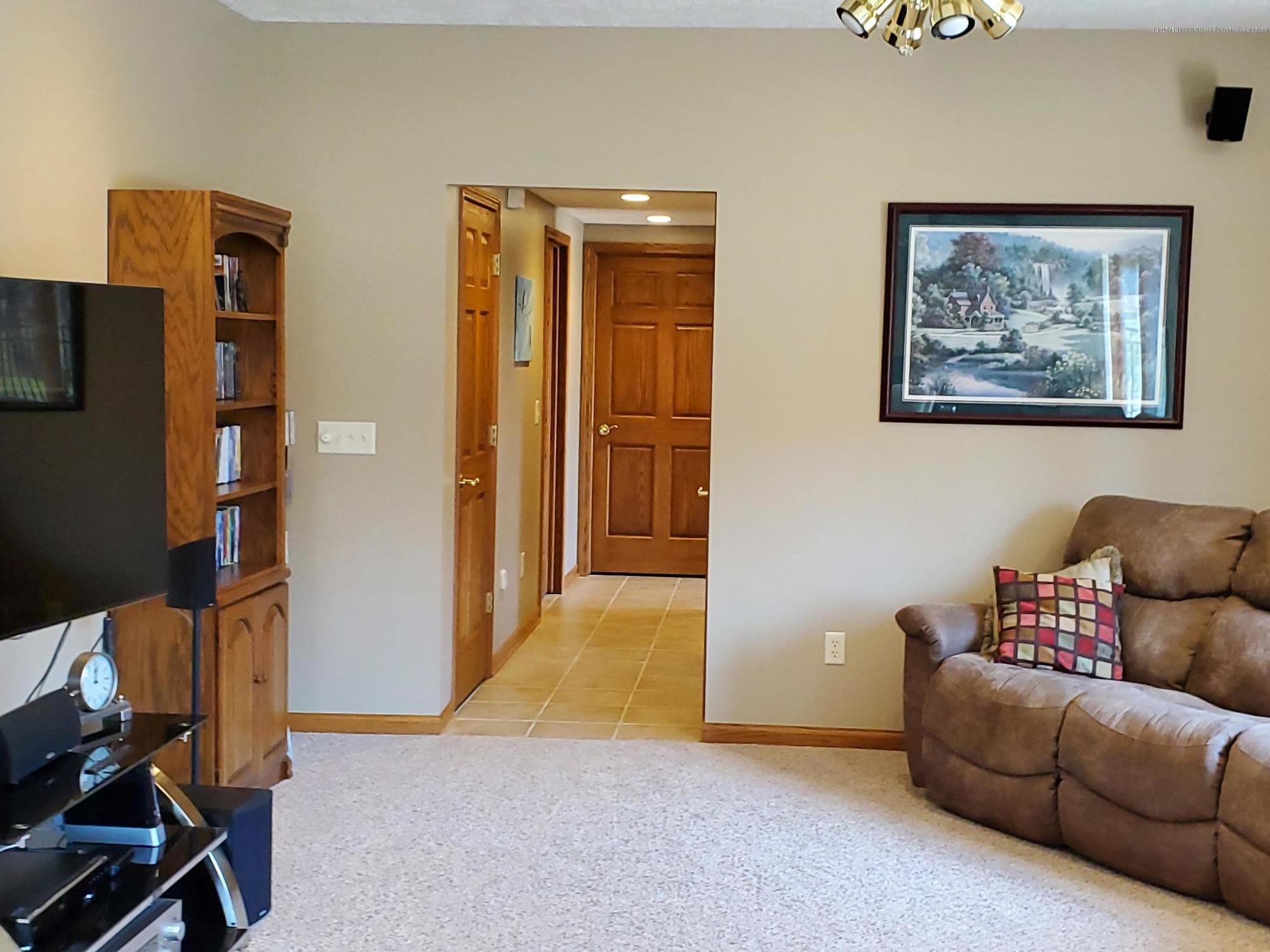 558 N Wheaton Rd - Bedroom 4 - 49
