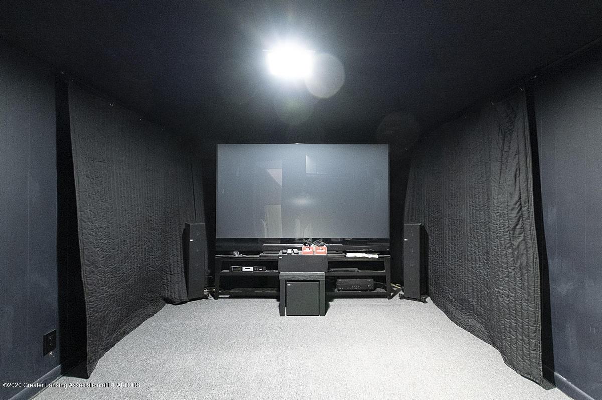 4721 Sycamore St - media room - 14