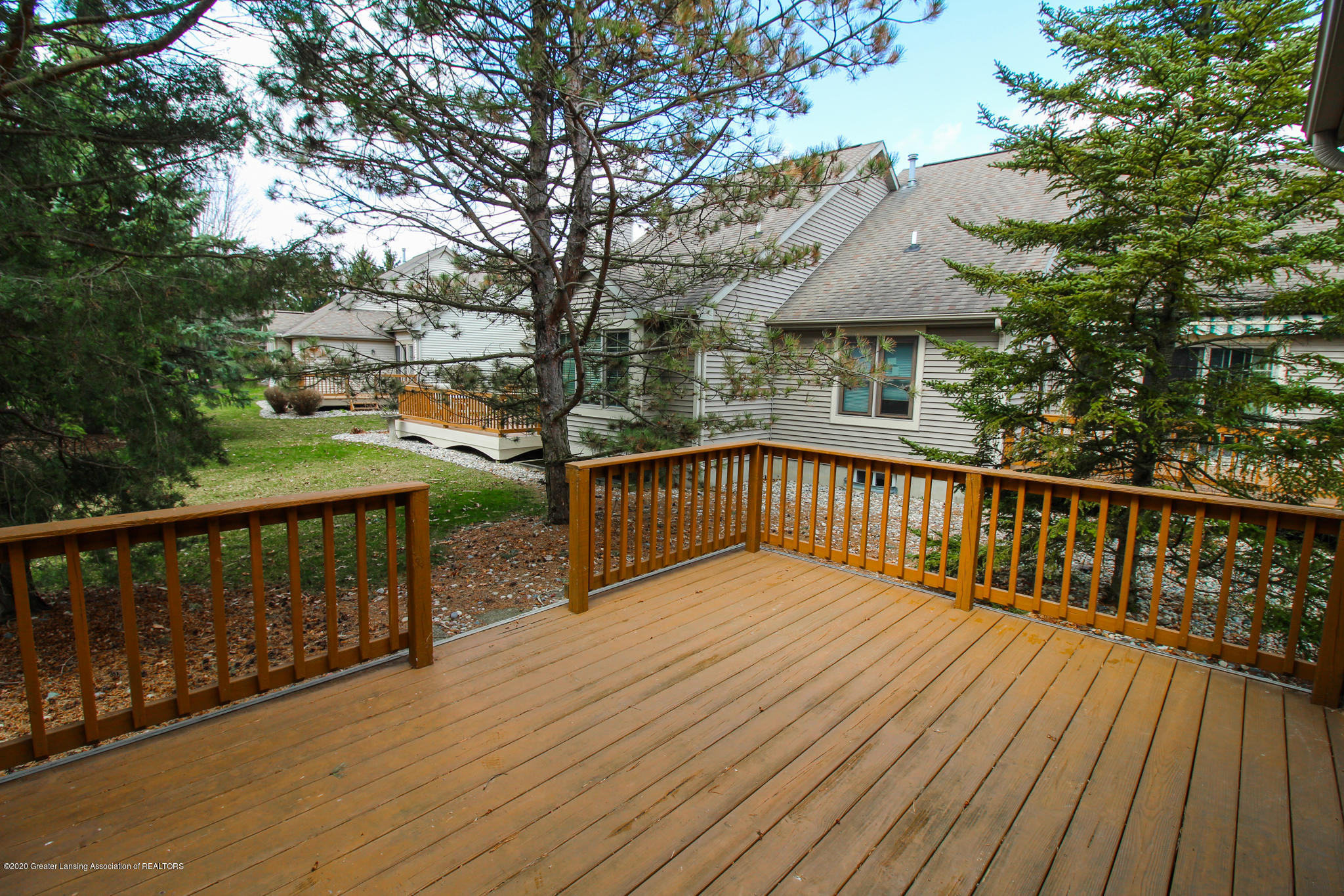 516 Cherbourg Dr - Pretty Surroundings - 30