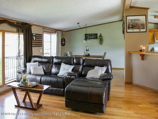4970 Whittum Rd - Living - 6