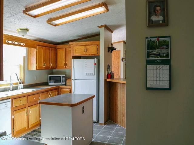 4970 Whittum Rd - Kitchen - 11