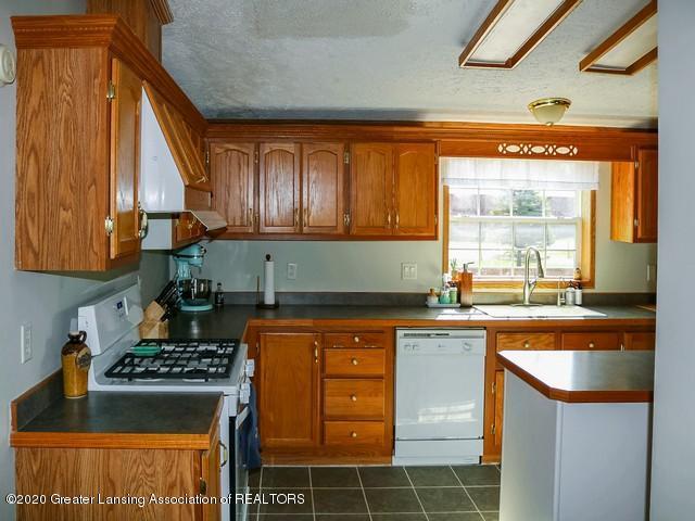 4970 Whittum Rd - Kitchen - 10