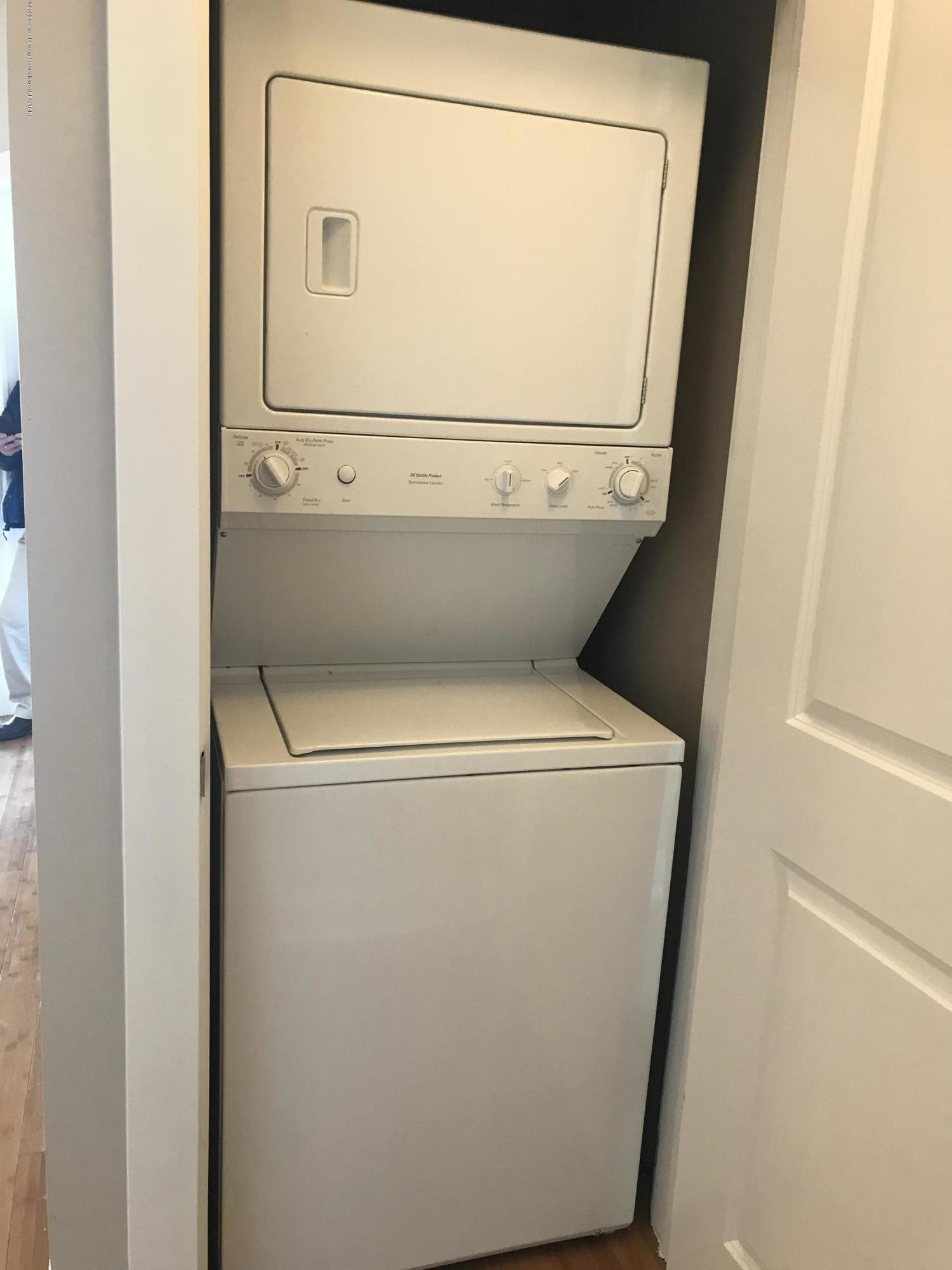 500 E Michigan Ave 407 - Washer and Dryer - 19