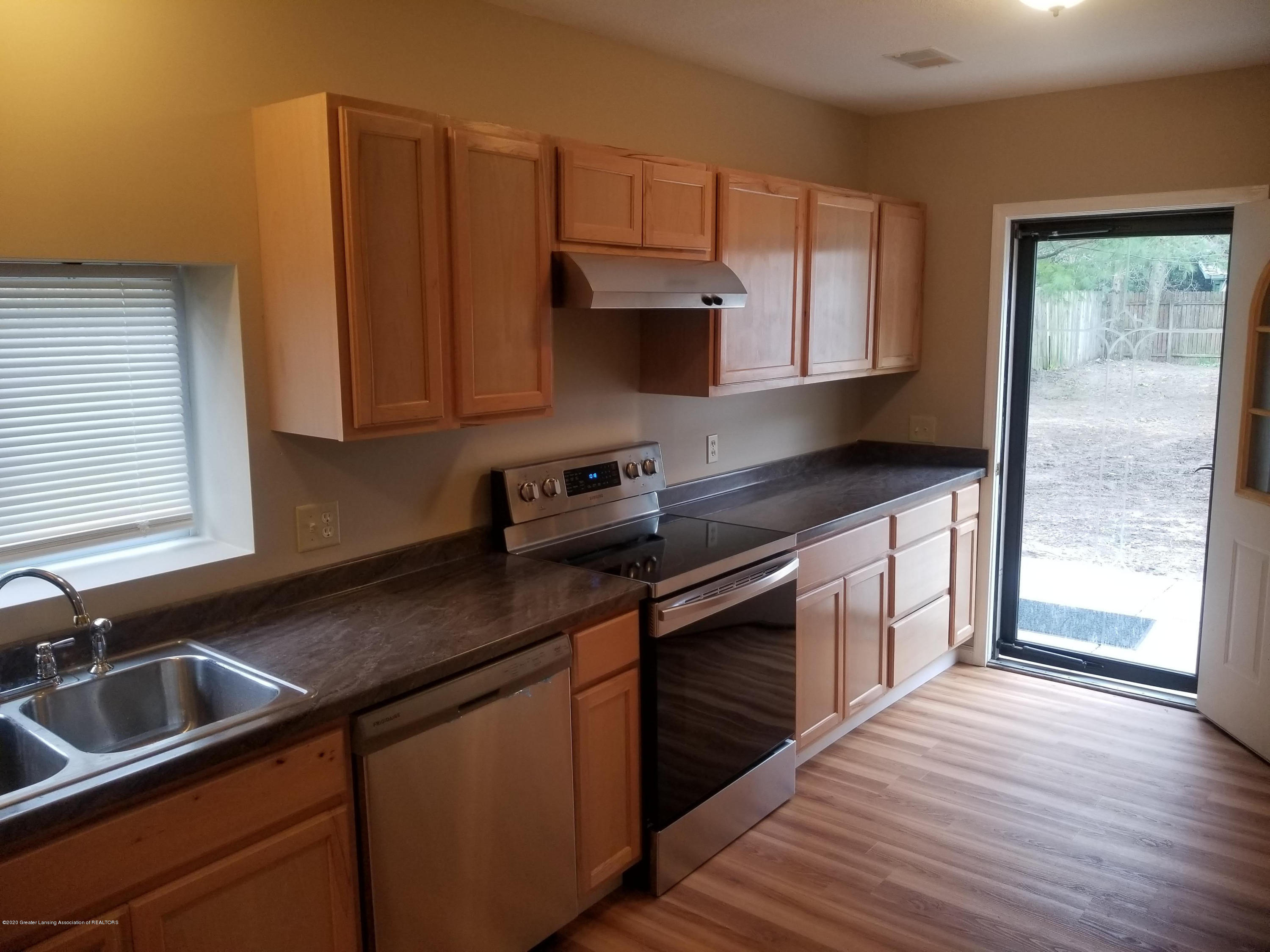 15486 Outer Dr - kitchen2 - 7