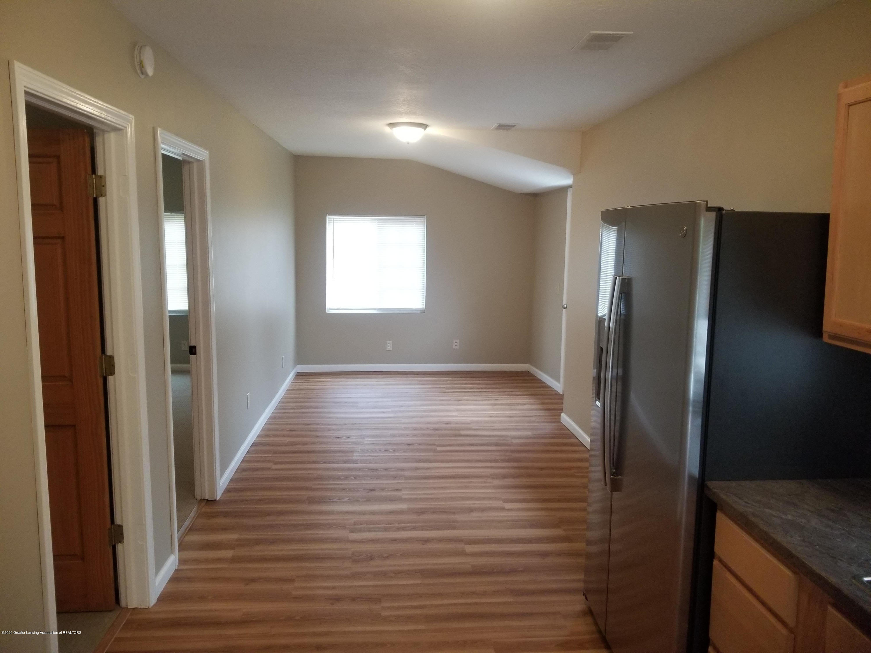 15486 Outer Dr - living - 9