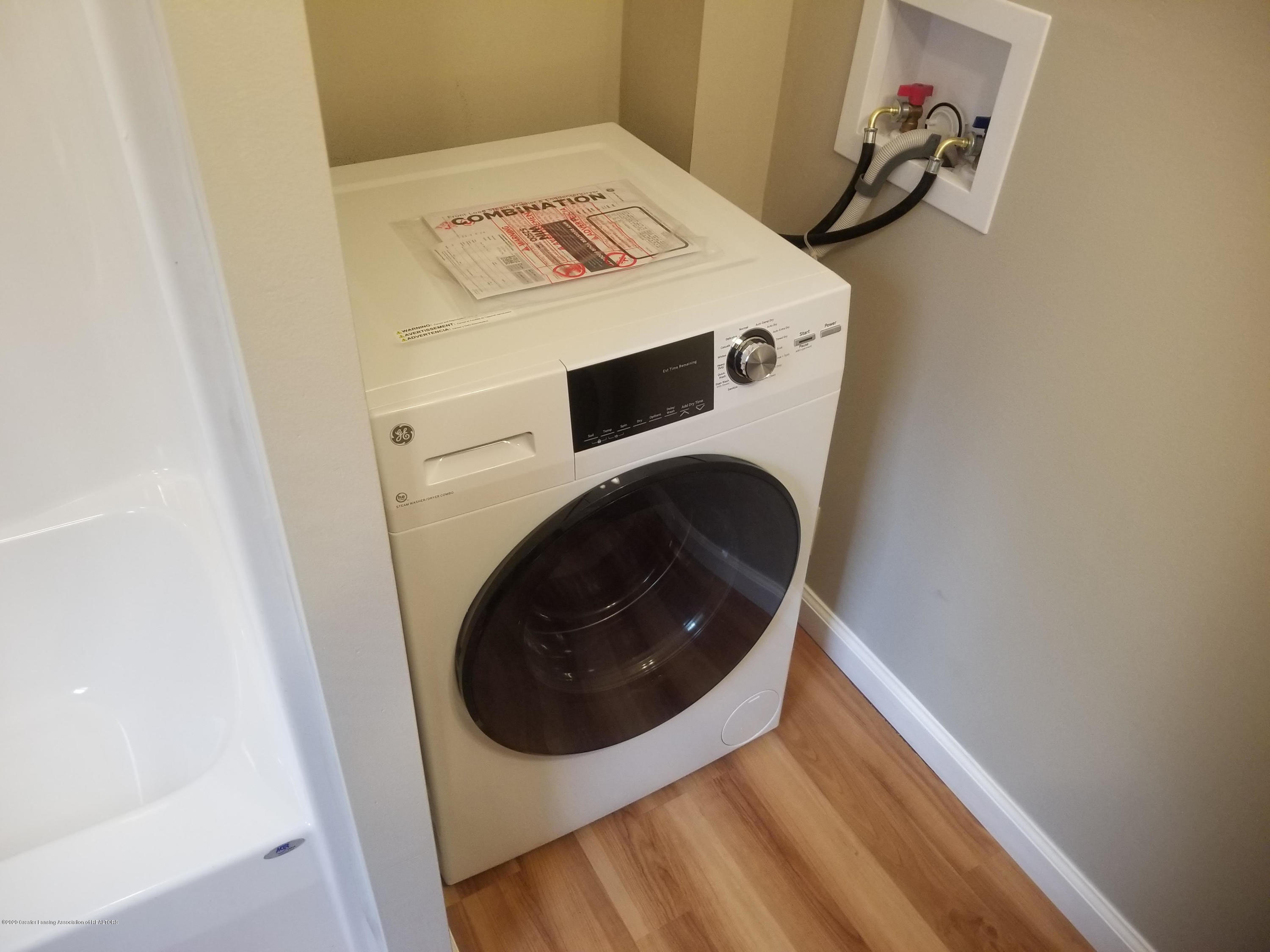 15486 Outer Dr - Washer/dryer - 13