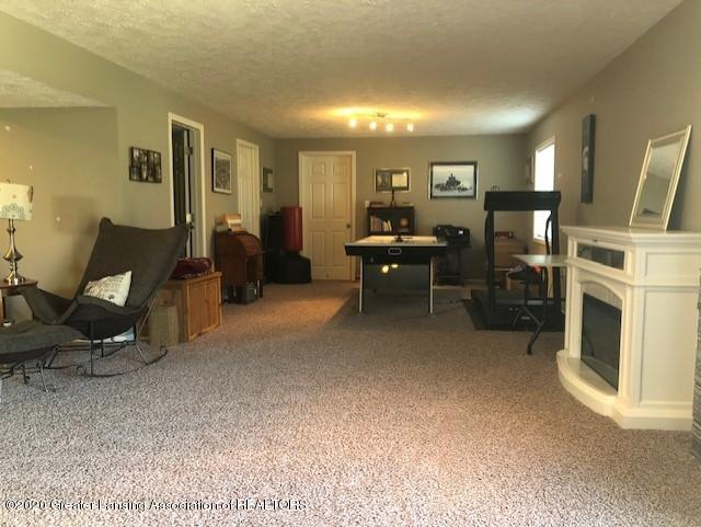 13868 Harvest Ln - Harvest Lane family room - 17