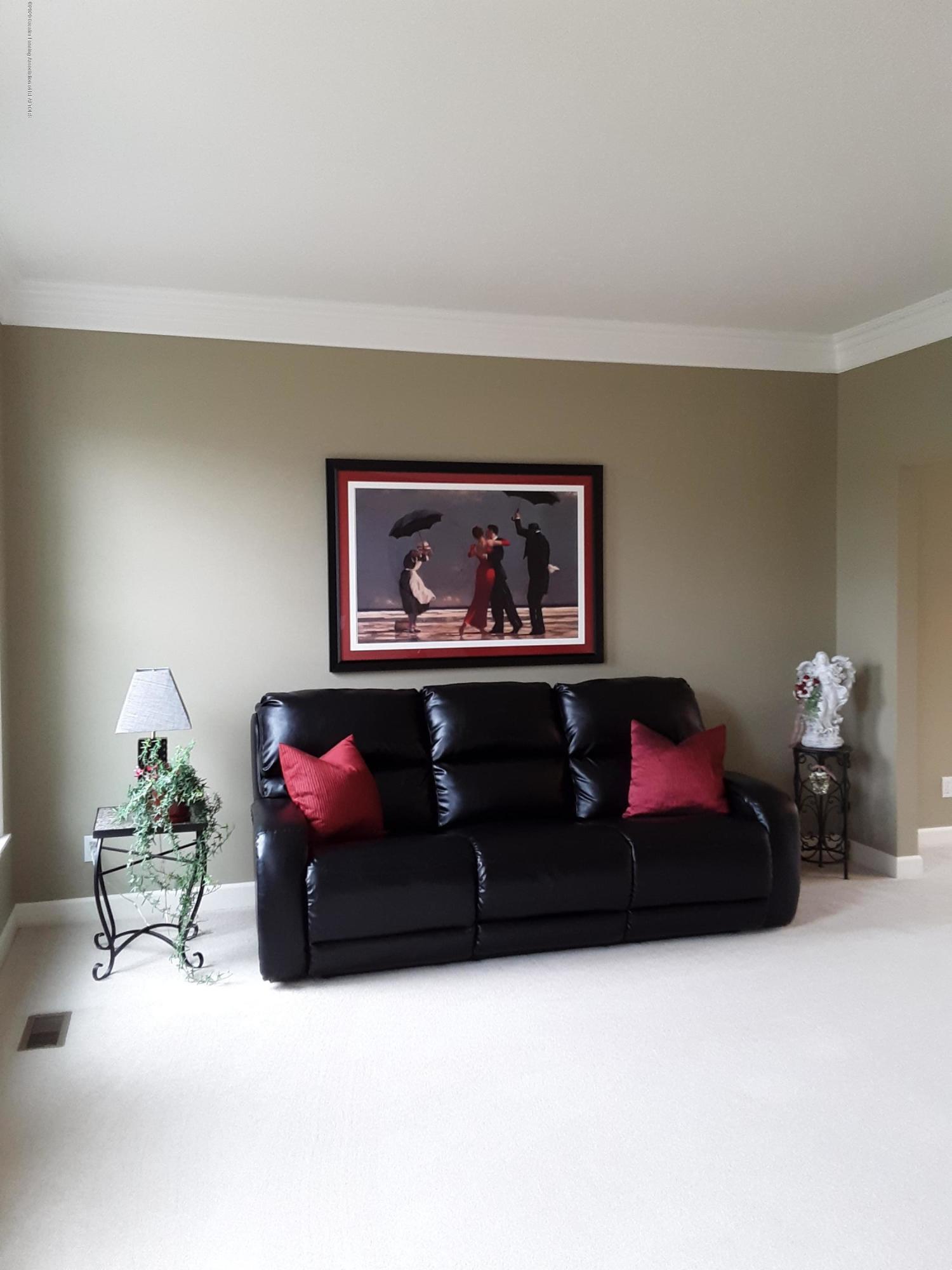 13142 Blaisdell Dr - 6. Living Room - 6