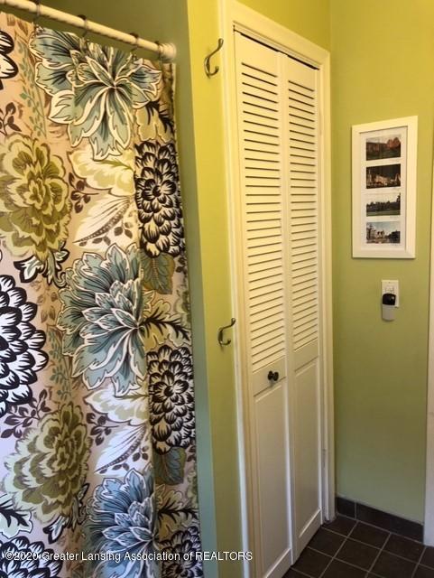 1667 Melrose Ave - Full Bathroom - 21
