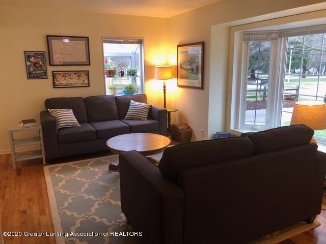 1667 Melrose Ave - Living Room - 4