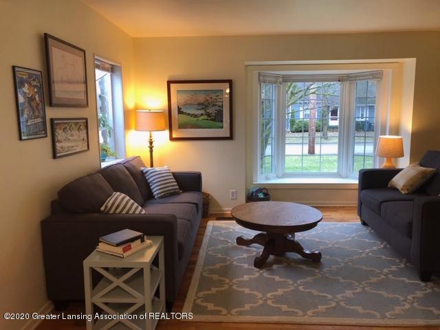 1667 Melrose Ave - Living Room - 5
