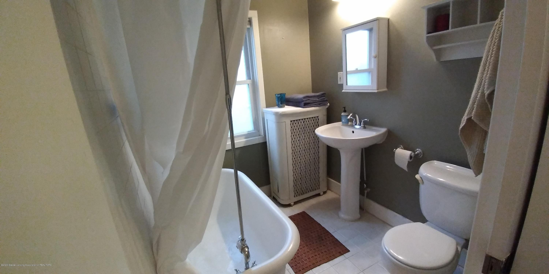 231 Horton St - Bathroom Downstairs-1 - 13