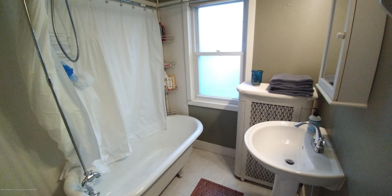 231 Horton St - Bathroom Downstairs-2 - 14