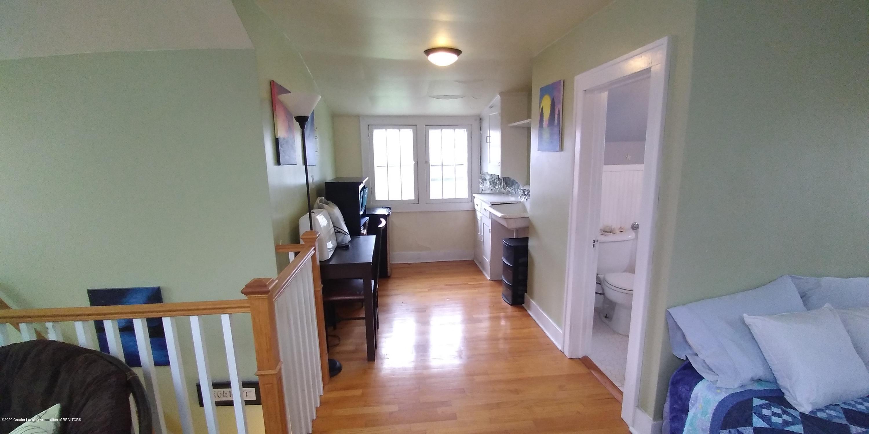 231 Horton St - Bedroom Studio Upstairs-6 - 20
