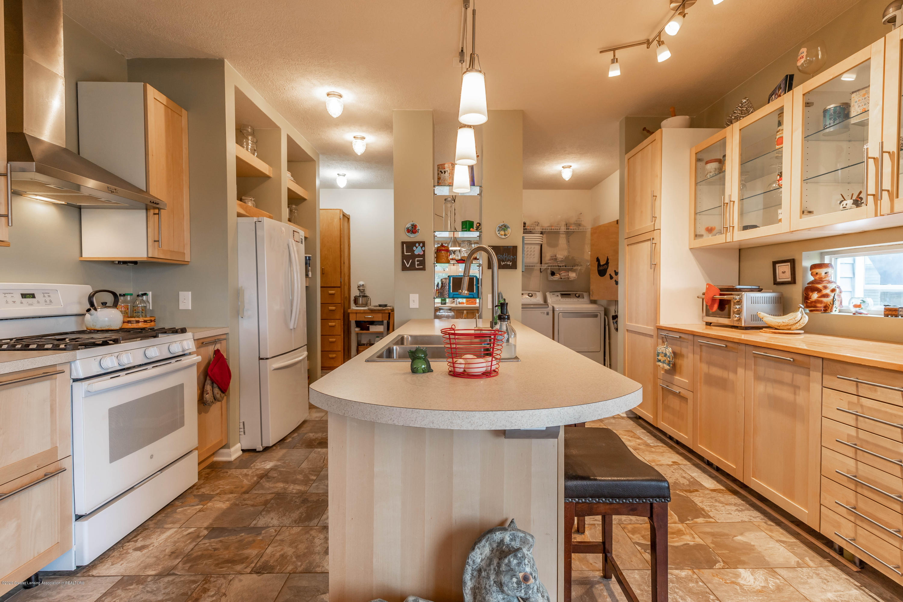 8740 N Scott Rd - Kitchen - 4