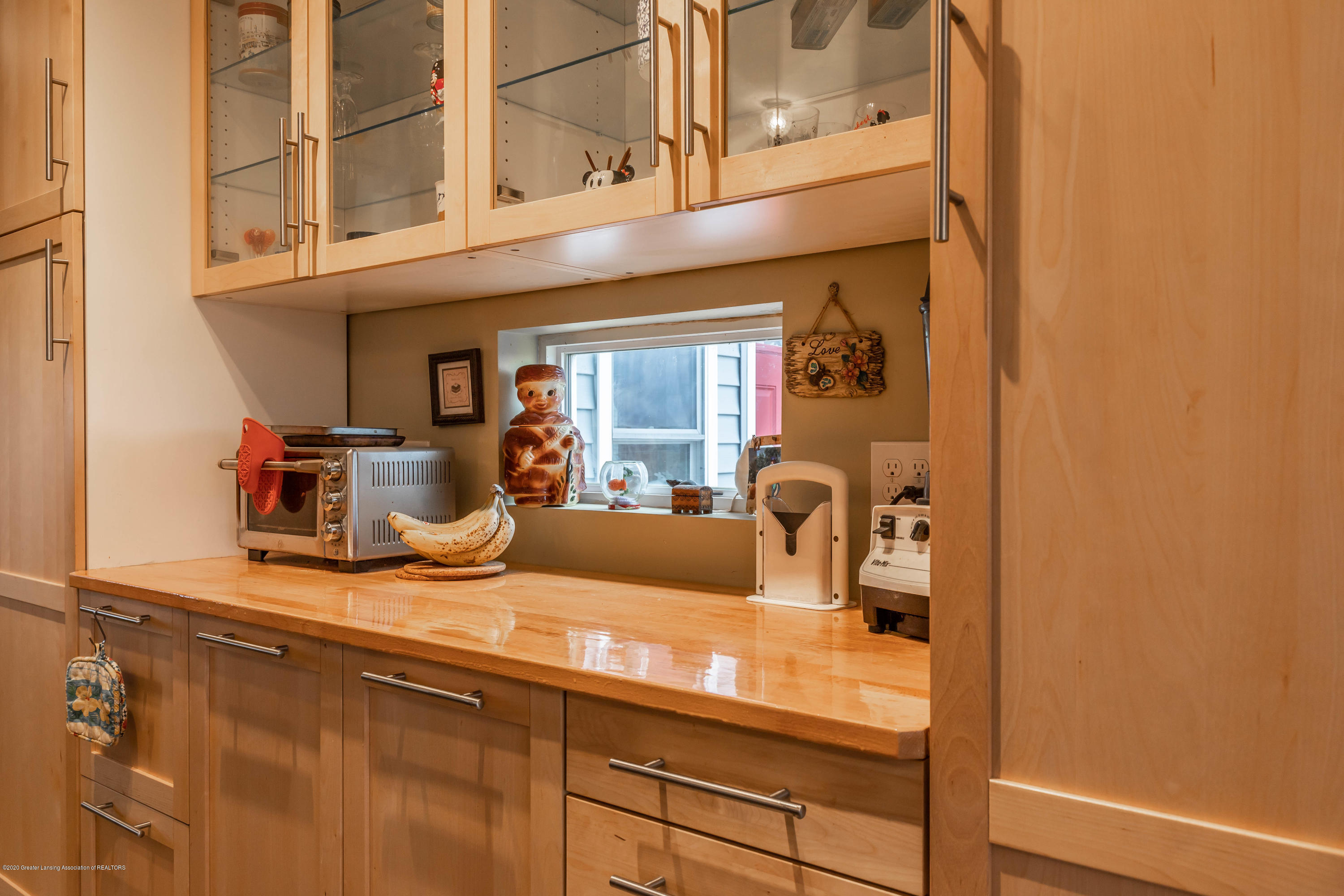 8740 N Scott Rd - Kitchen - 8