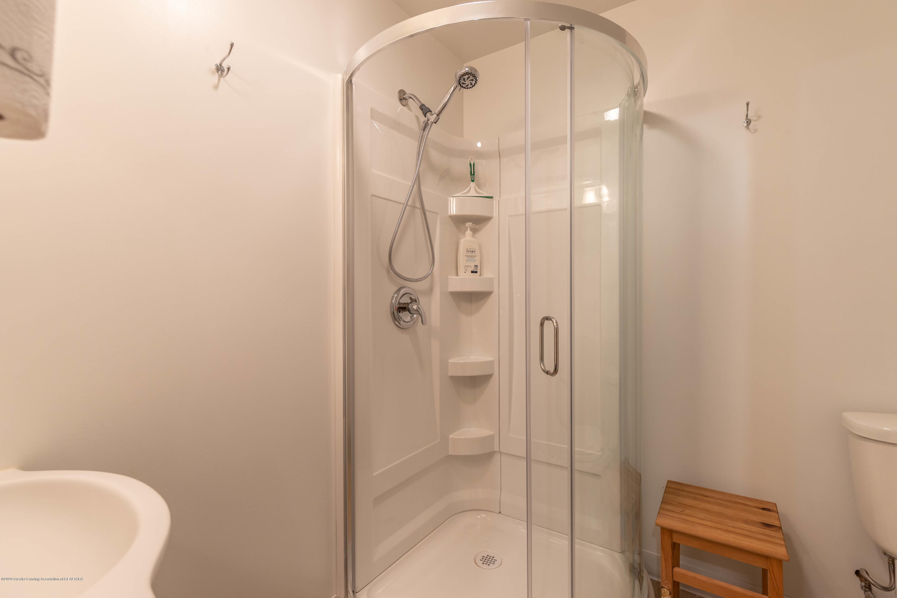 8740 N Scott Rd - Basement Bath - 31