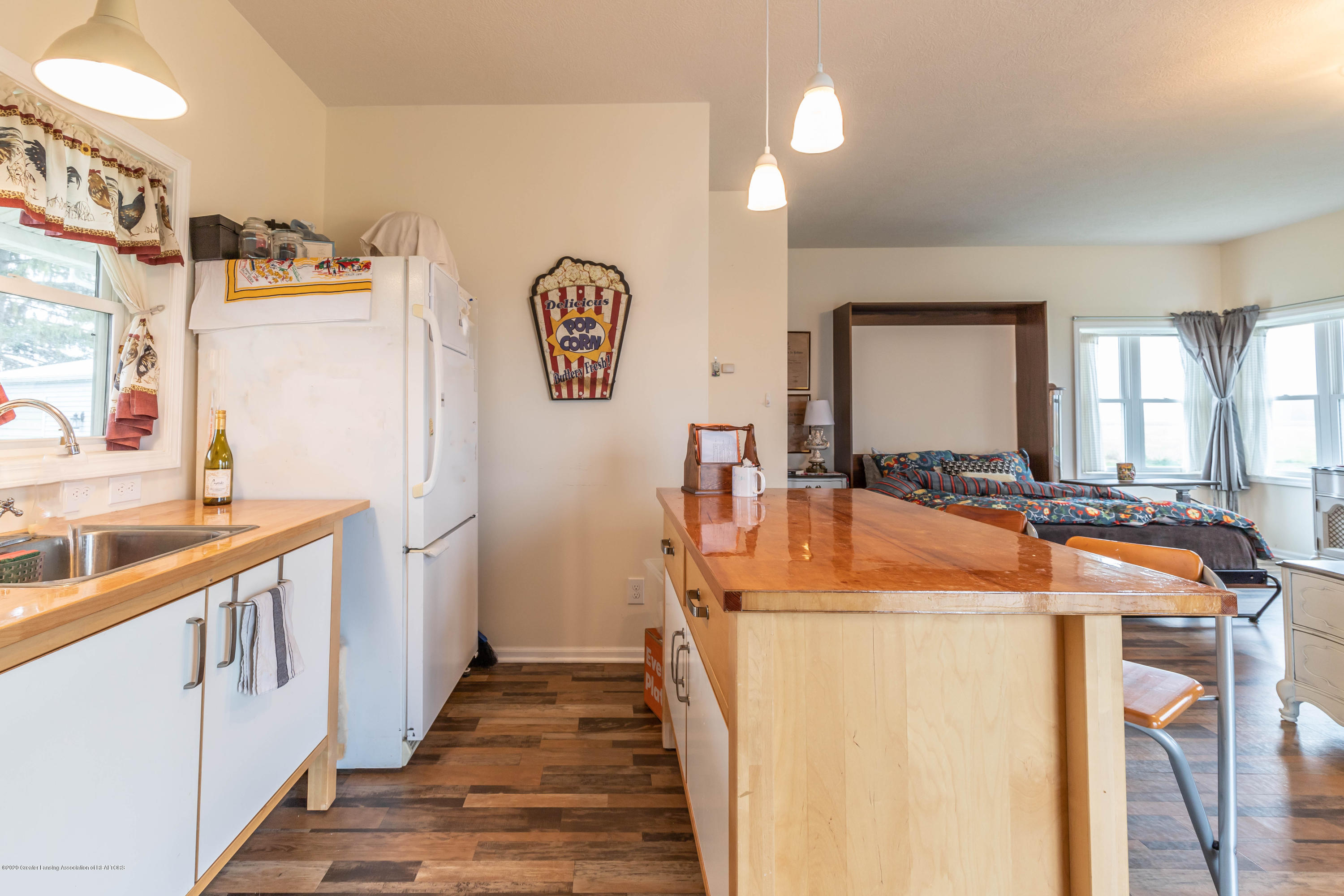 8740 N Scott Rd - Guest House Kitchen - 35