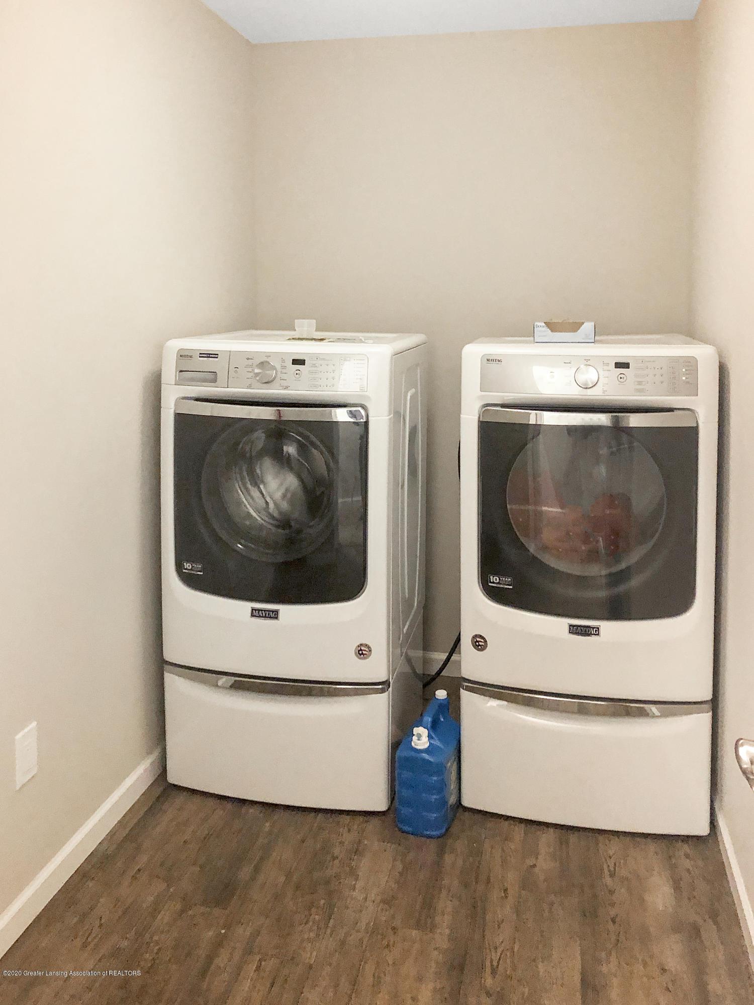 5959 Boxwood Ave - 2nd Floor Laundry - 20