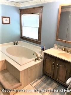 5944 Holt Rd - MASTER BATH - 18