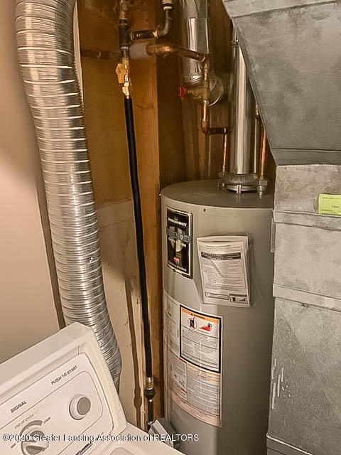 201 W Oak St - Water Heater - 21