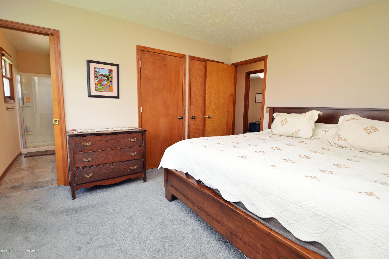 2473 Graystone Dr - Master Bedroom - 14