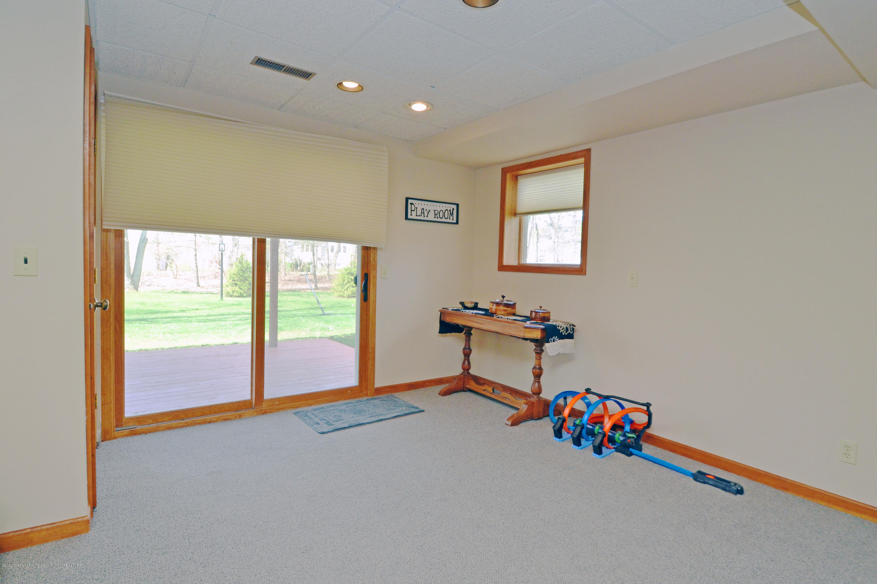 2473 Graystone Dr - Walk-out Lower Level - 22