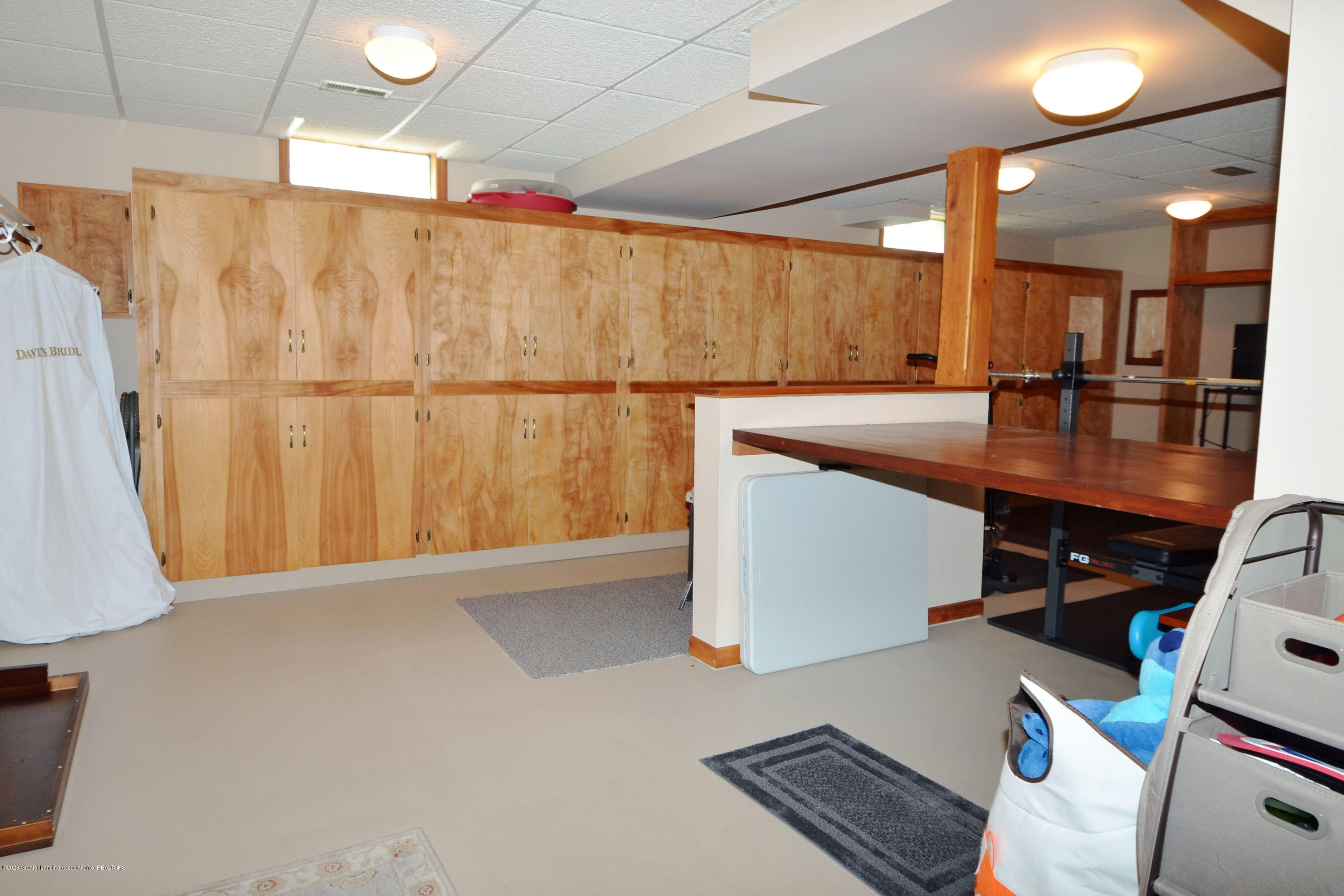 2473 Graystone Dr - lots of Storage - 27