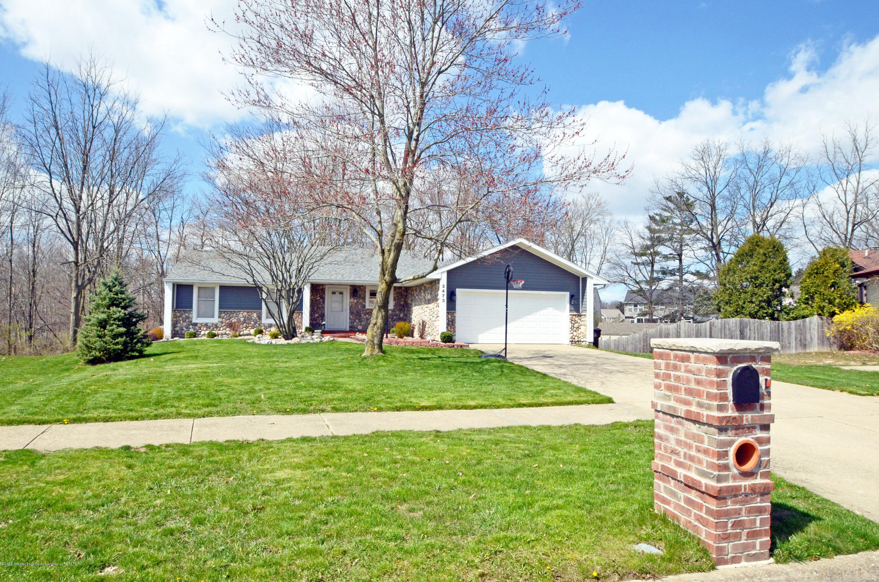2473 Graystone Dr - Front - 1