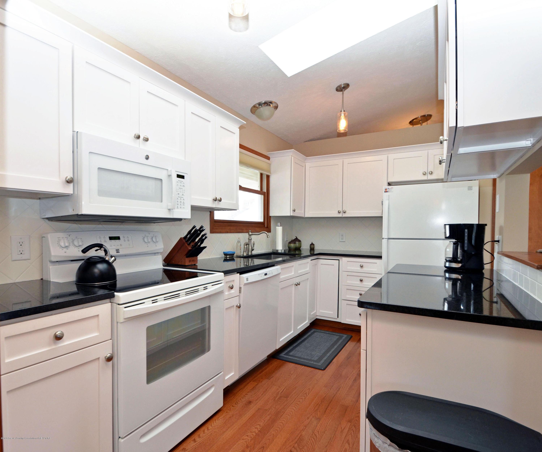 2473 Graystone Dr - Kitchen - 10