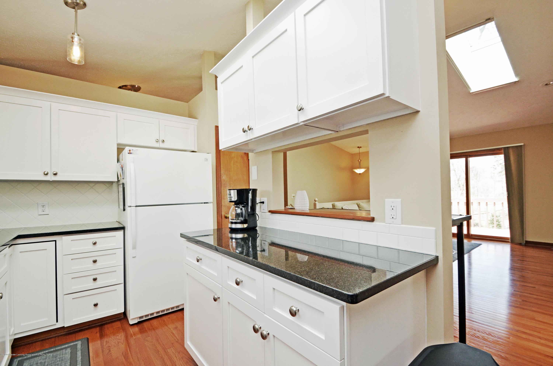 2473 Graystone Dr - Kitchen - 9