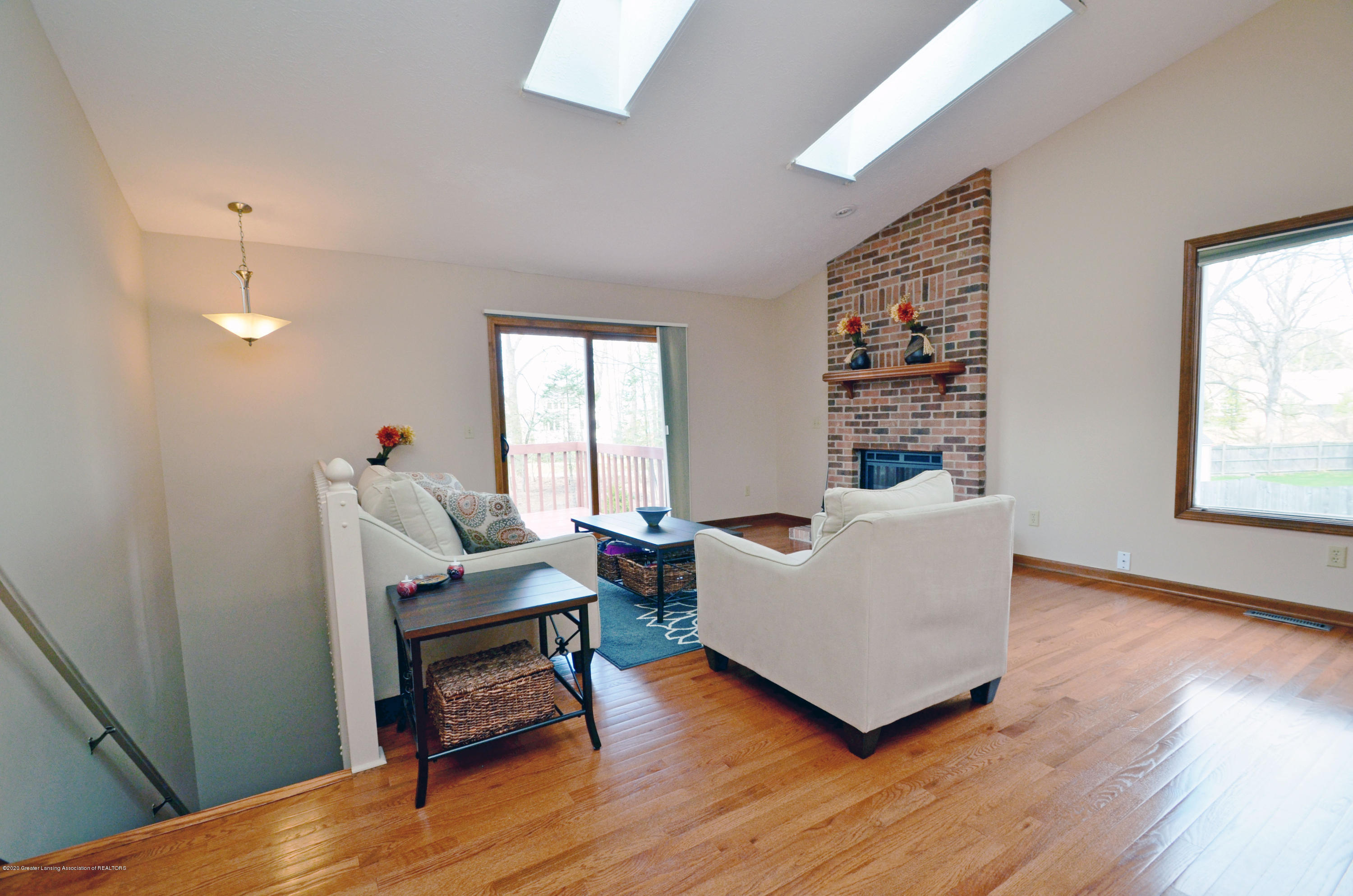 2473 Graystone Dr - Great Room to Lower Level - 20